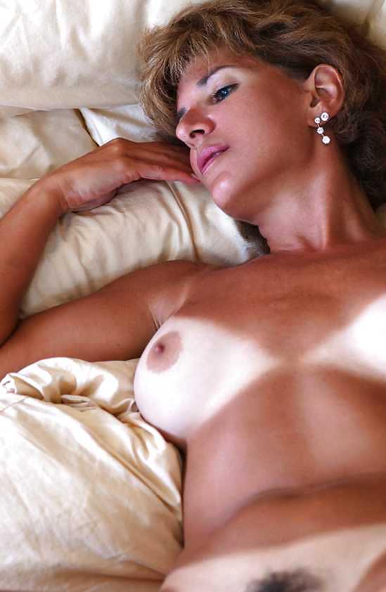 Naked mature women masterbating-3021