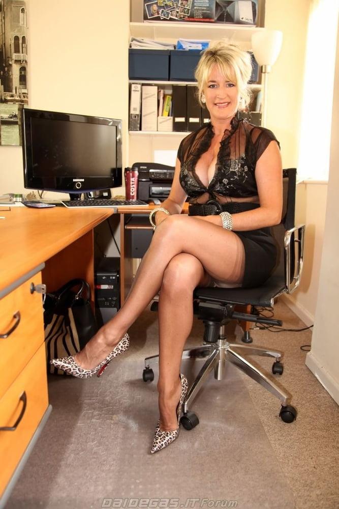 I am a young secretary seducing my boss