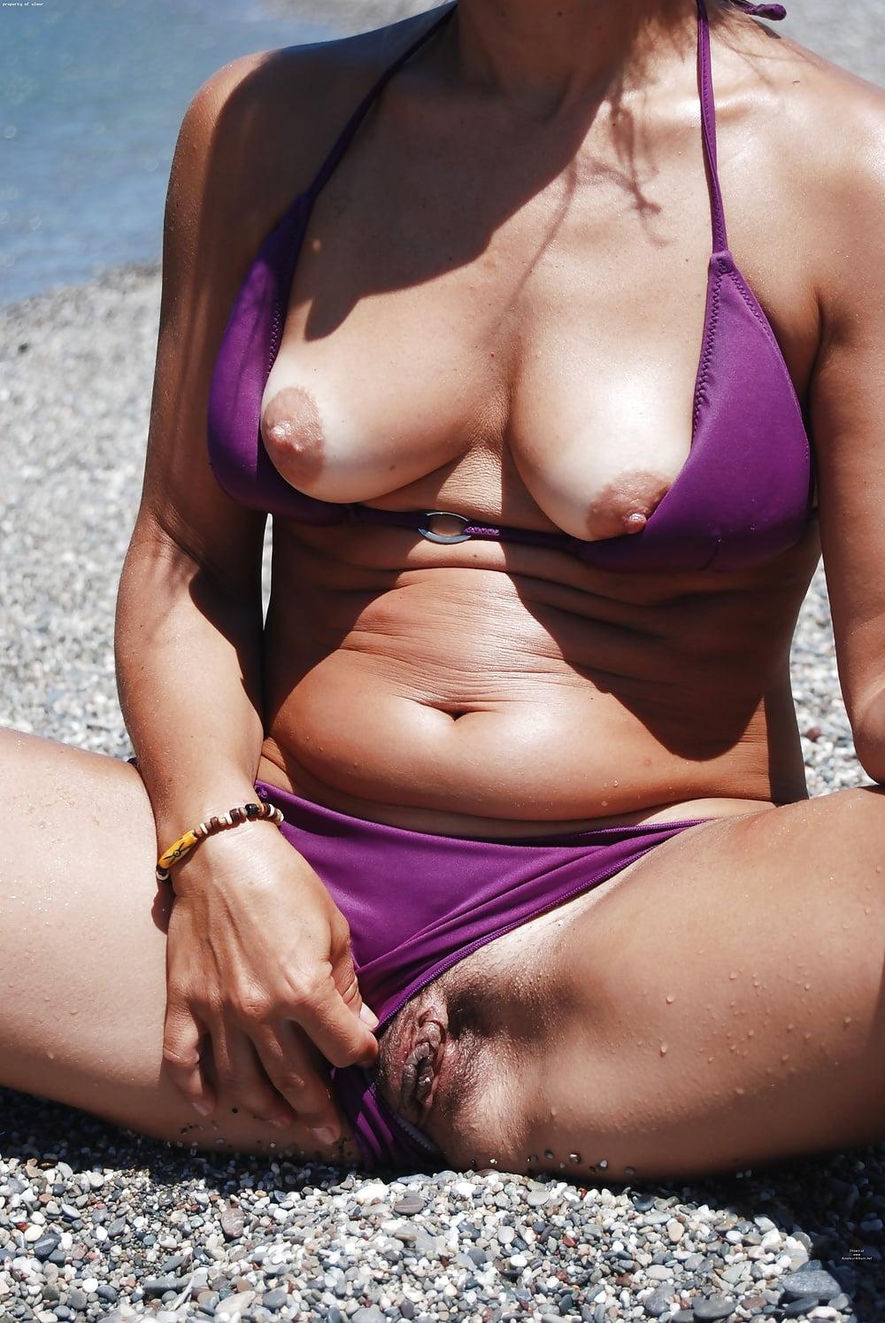 famous-pussy-bikini