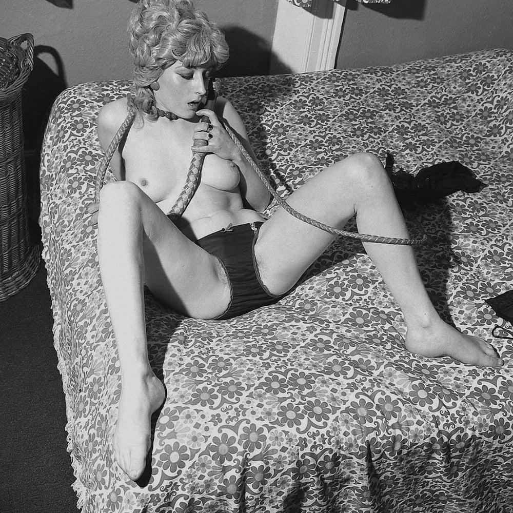 Vintage panty pics, nude woman superheros