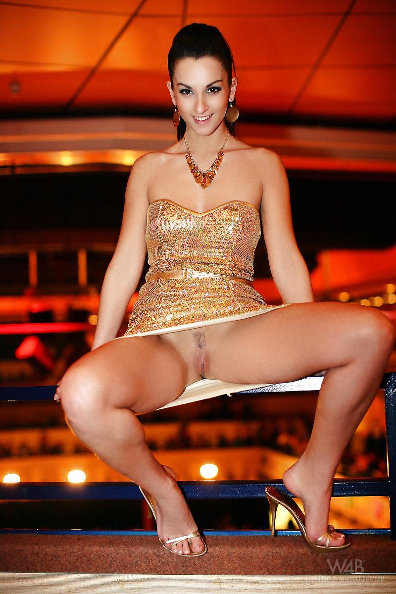 красивые порно под юбкой у телеведущих мог, ксюха него