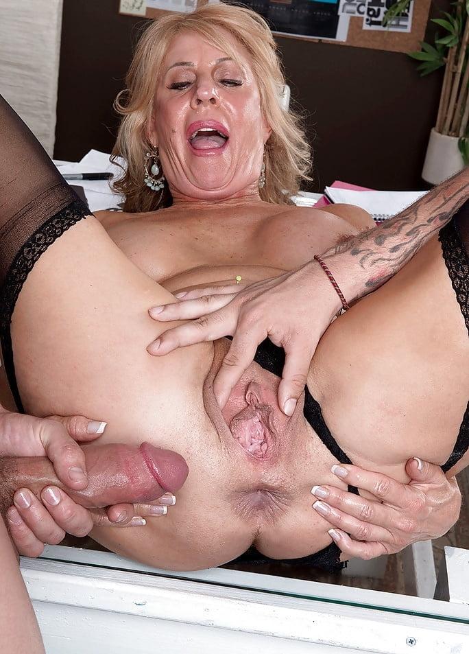 Porn Pics Granny Anal Creampie