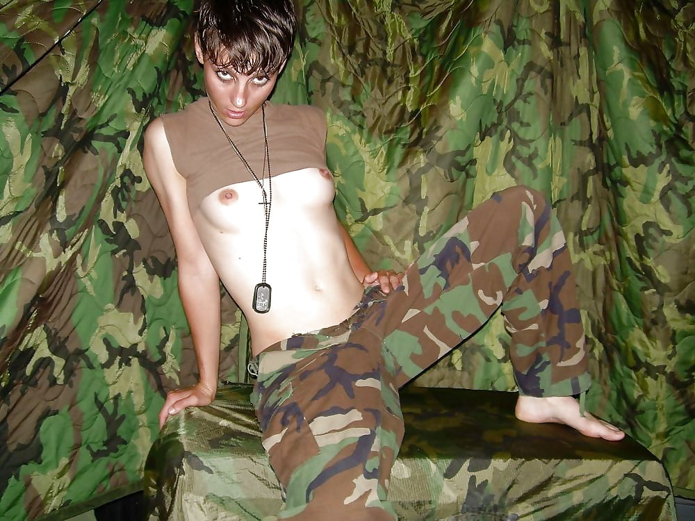 Naked army girls showing pussys