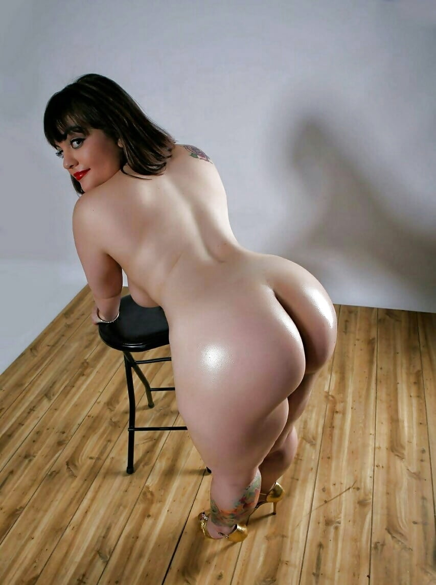 Nude curvy girls hd pics — 13
