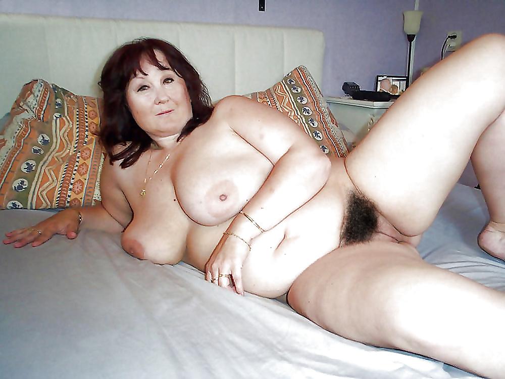 Chubby hairy mature women homemade pics