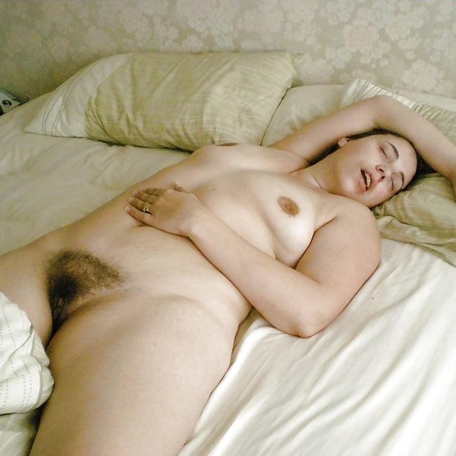 Эро фото спящие женщины 12