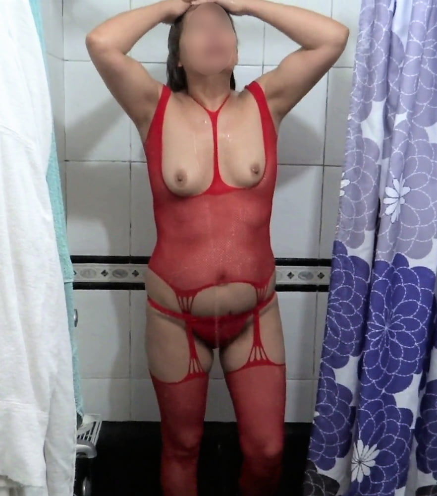 My hot wife, watch her videos - 34 Pics
