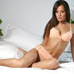 Crystal Lowe  nackt