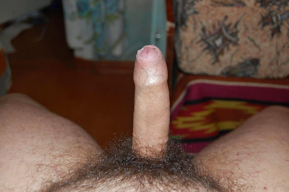 порно показывает свой волосатый член - 10