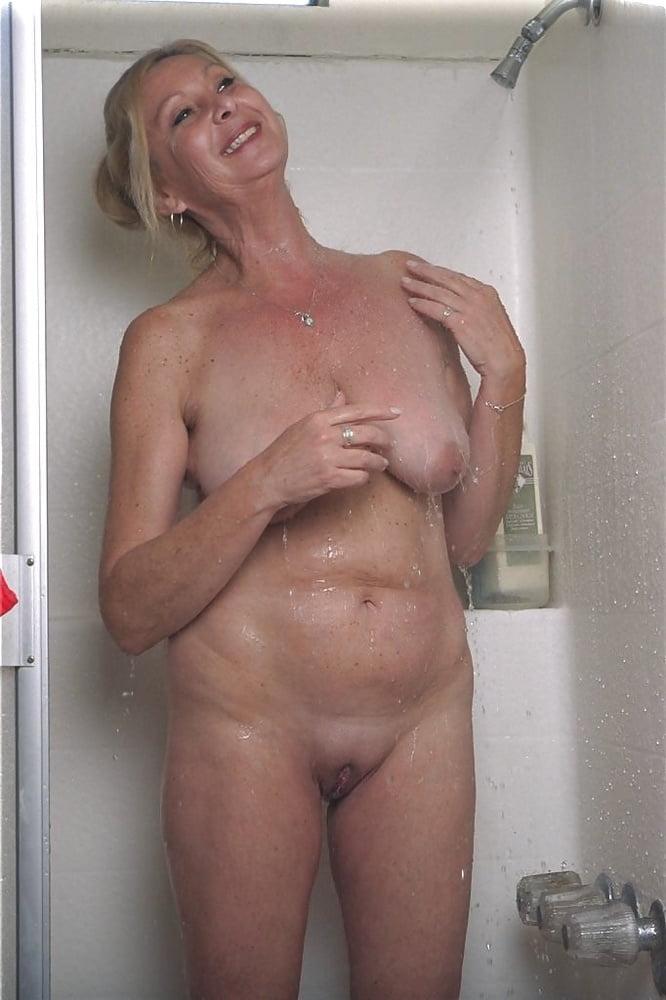 Pichunter mature granny in shower