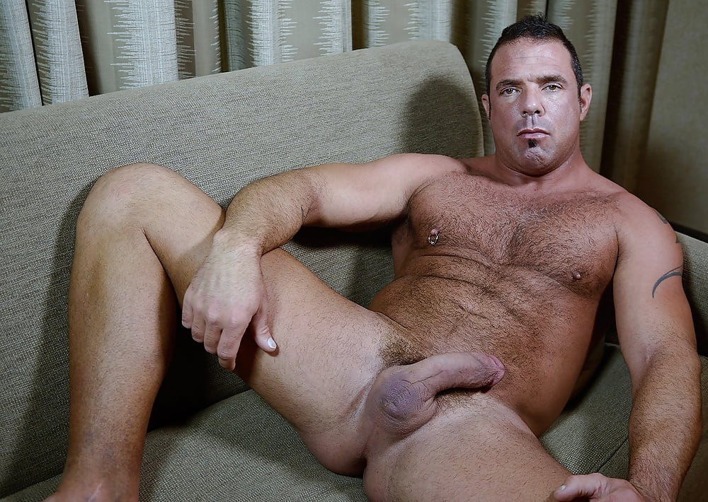 Muscular dilf fucking his