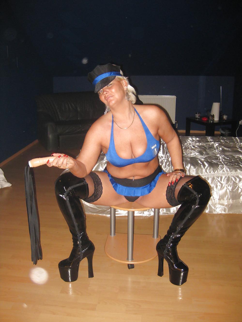 Anal police woman