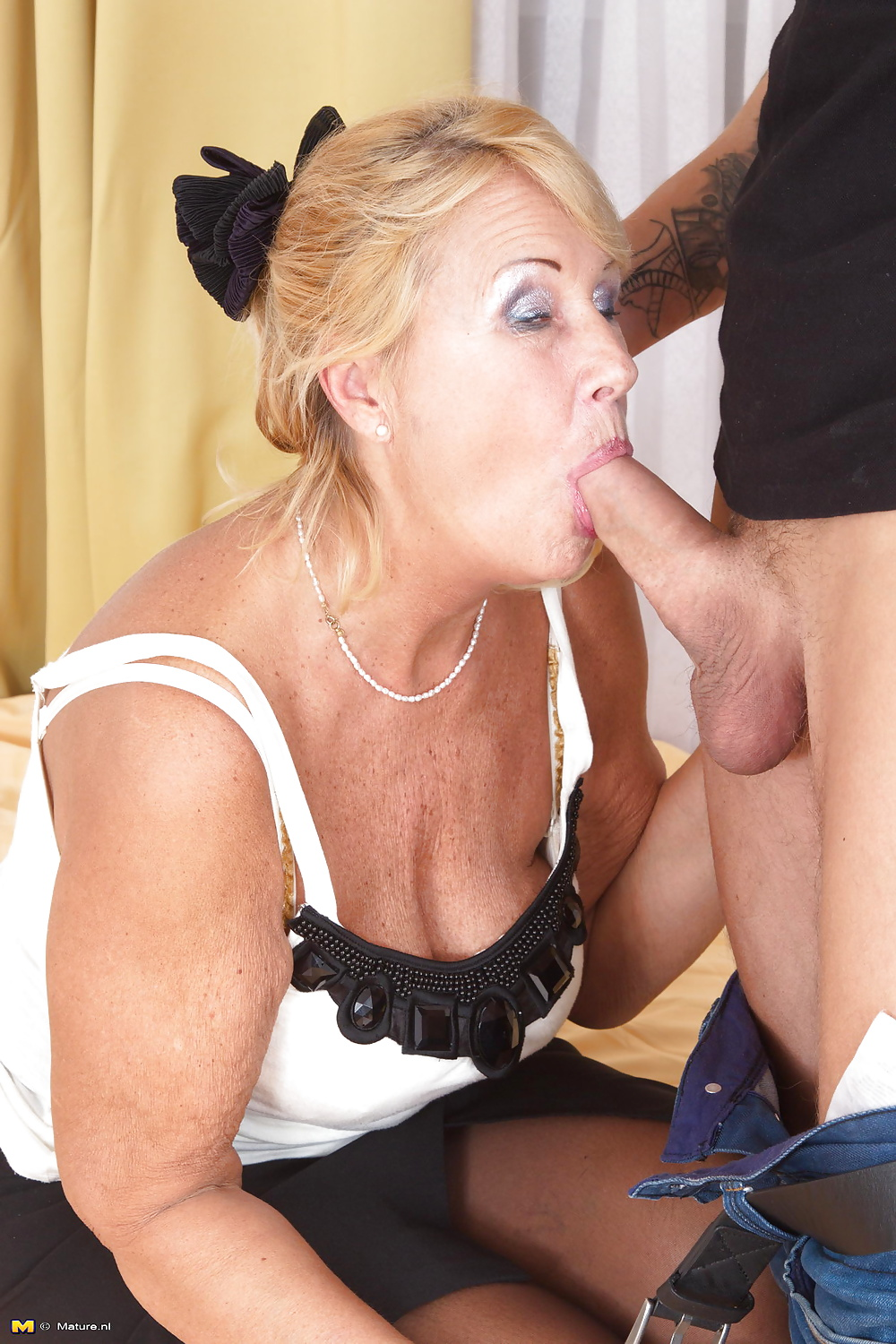 young-emo-best-site-for-granny-blowjobs
