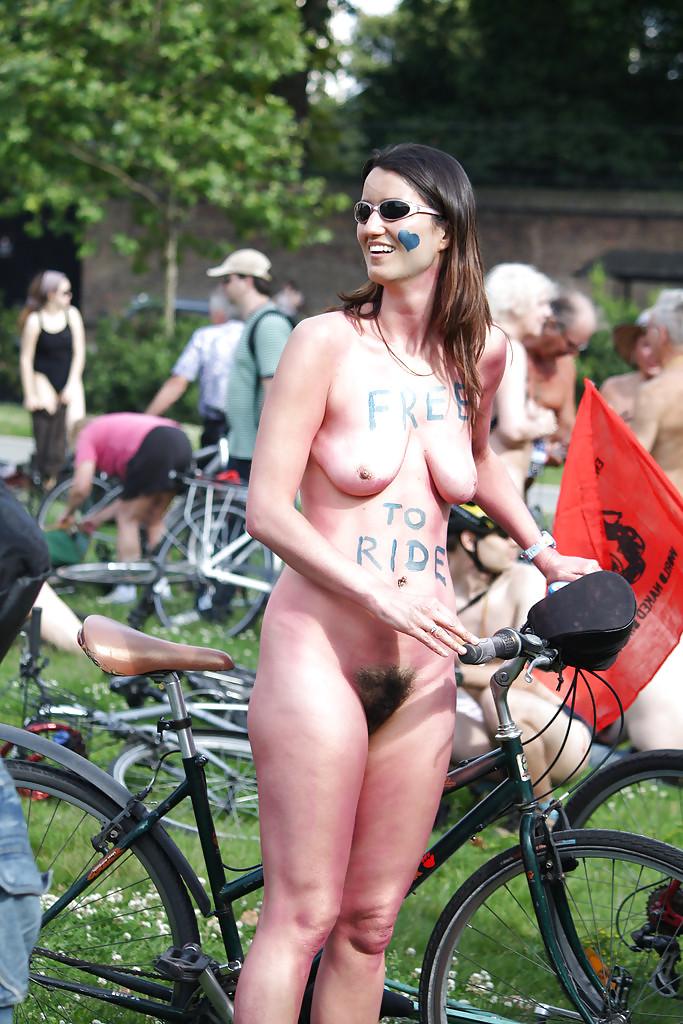 Nude women pubic hair