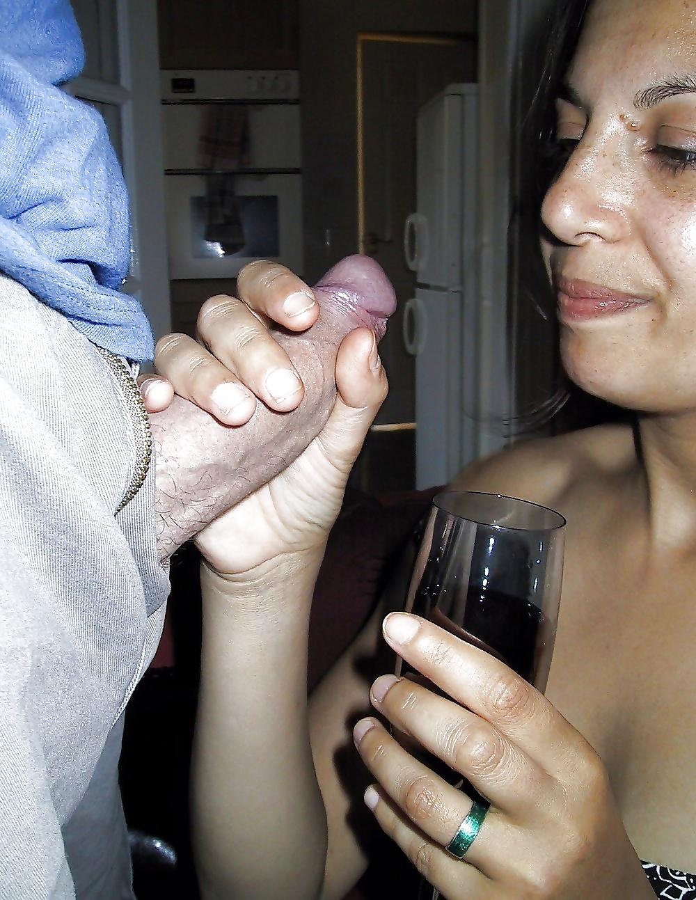 Masturabtion amateur cool wife hand