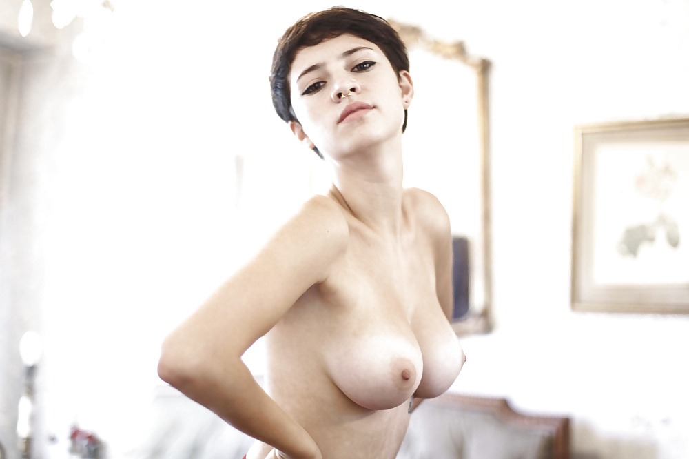 sexy-short-haired-lesbian-naked