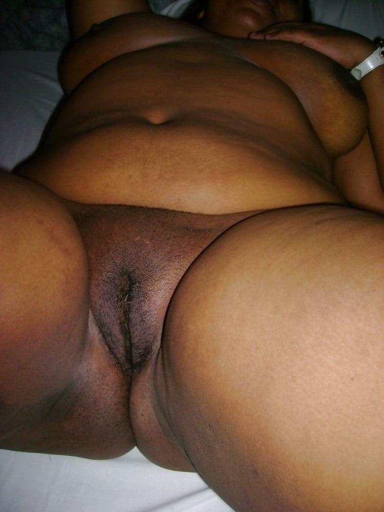 Hot naked skinny women