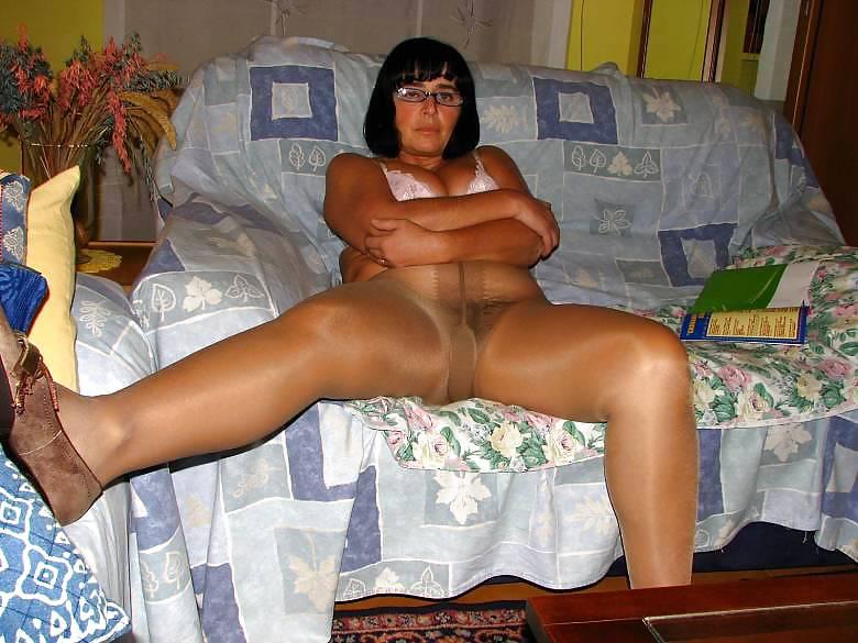 Pantyhoseimages mature wife wearing pantyhose