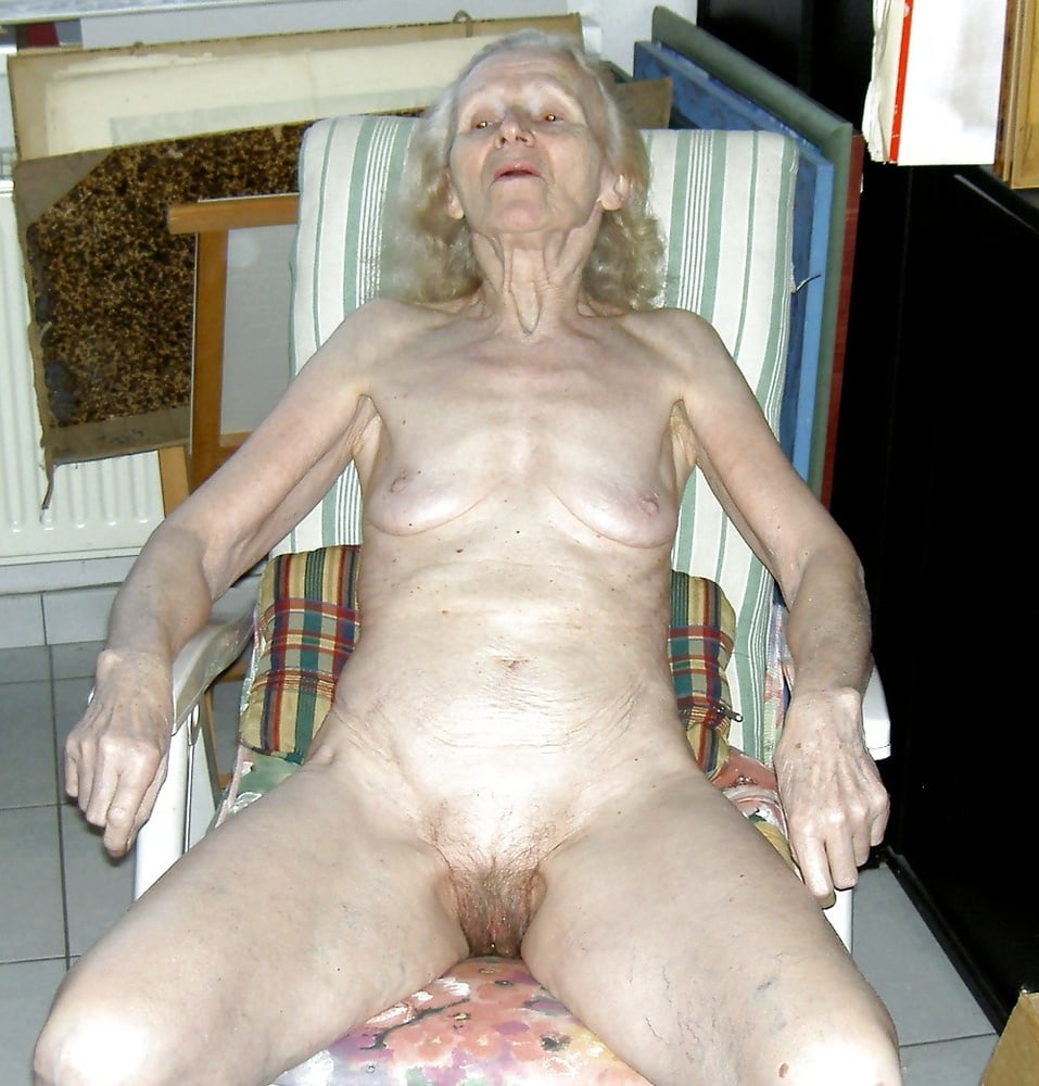 Very old women pussy love posing nude