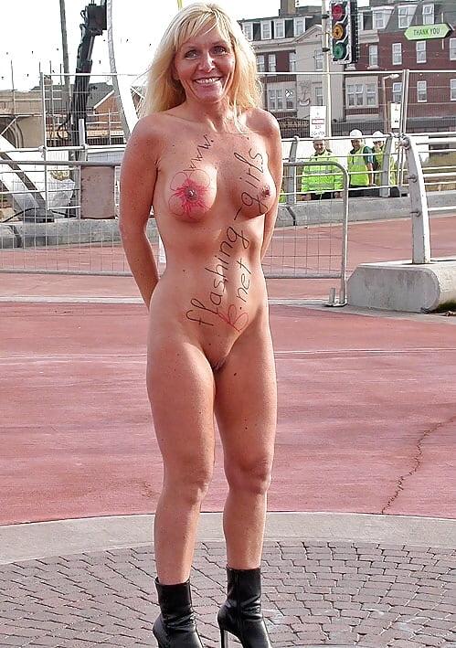 Public naked dare
