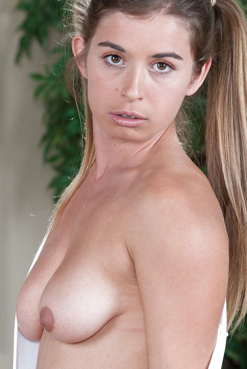 tina-majorino-nude-jennifer-anniston-fake-nudes