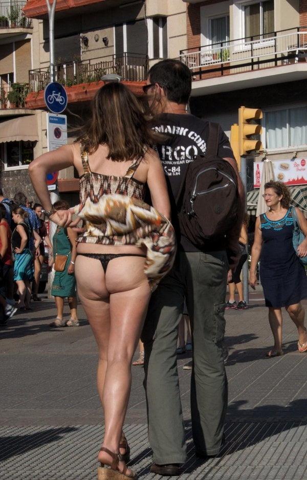 Nude black girls twerking