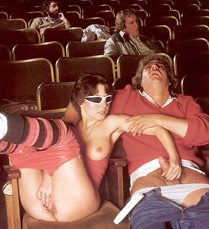 эротические фото в кинотеатре сквиртинг