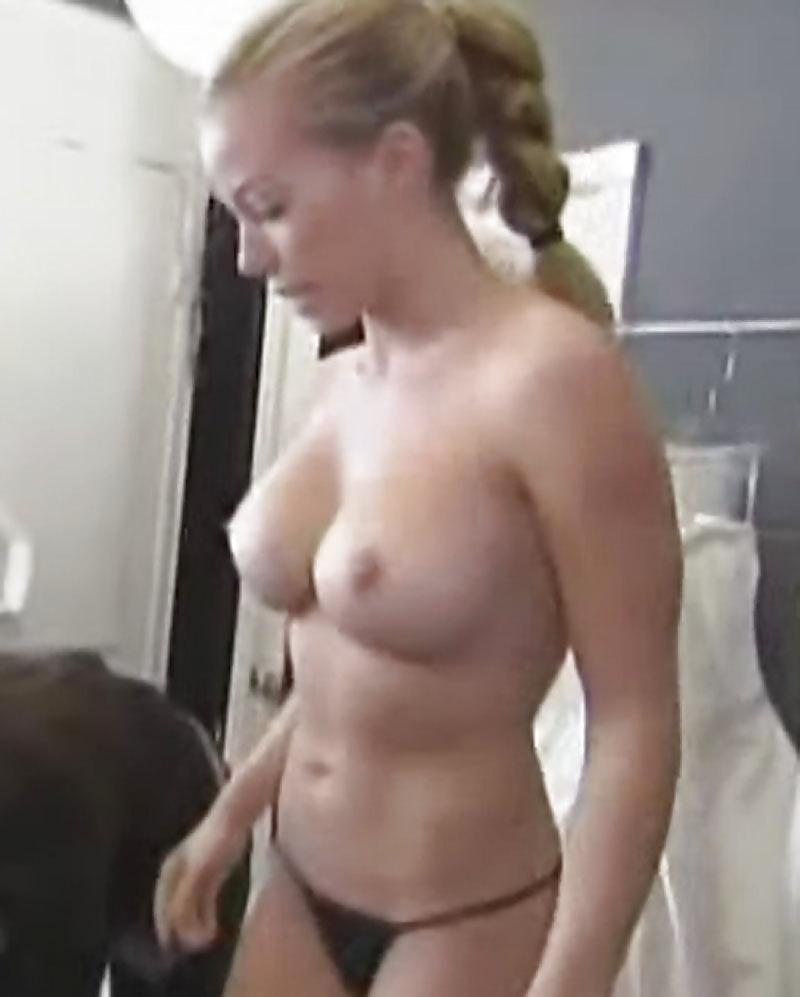 Kendra wilkinson showing her tits girls wet paki