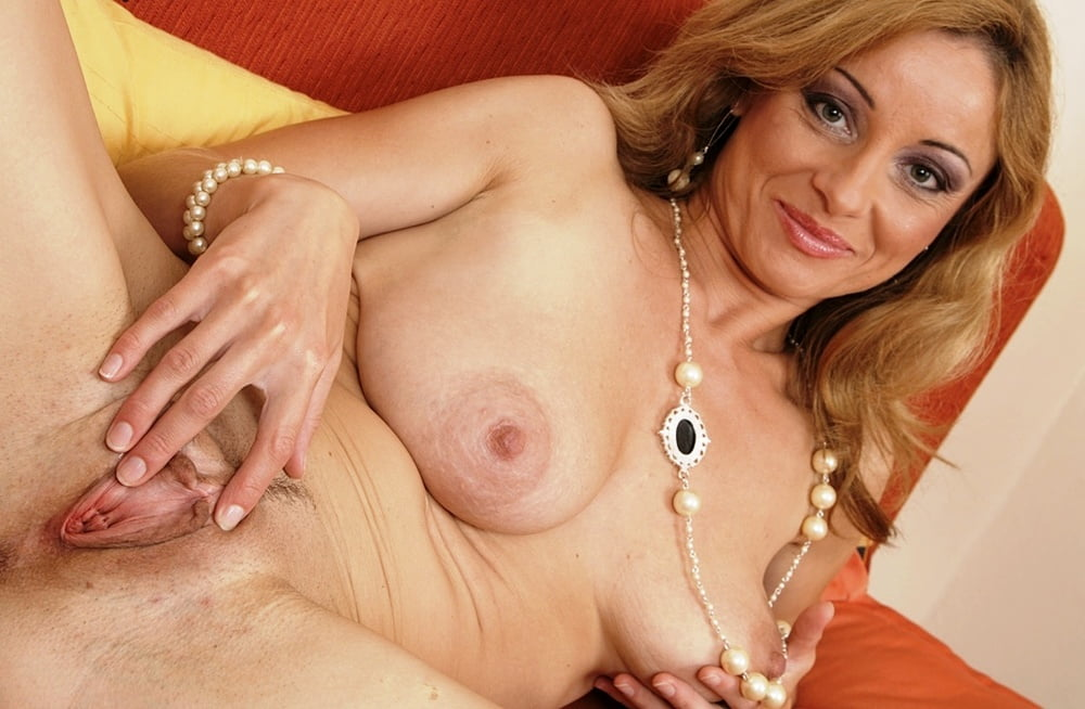 karups-gals-mature