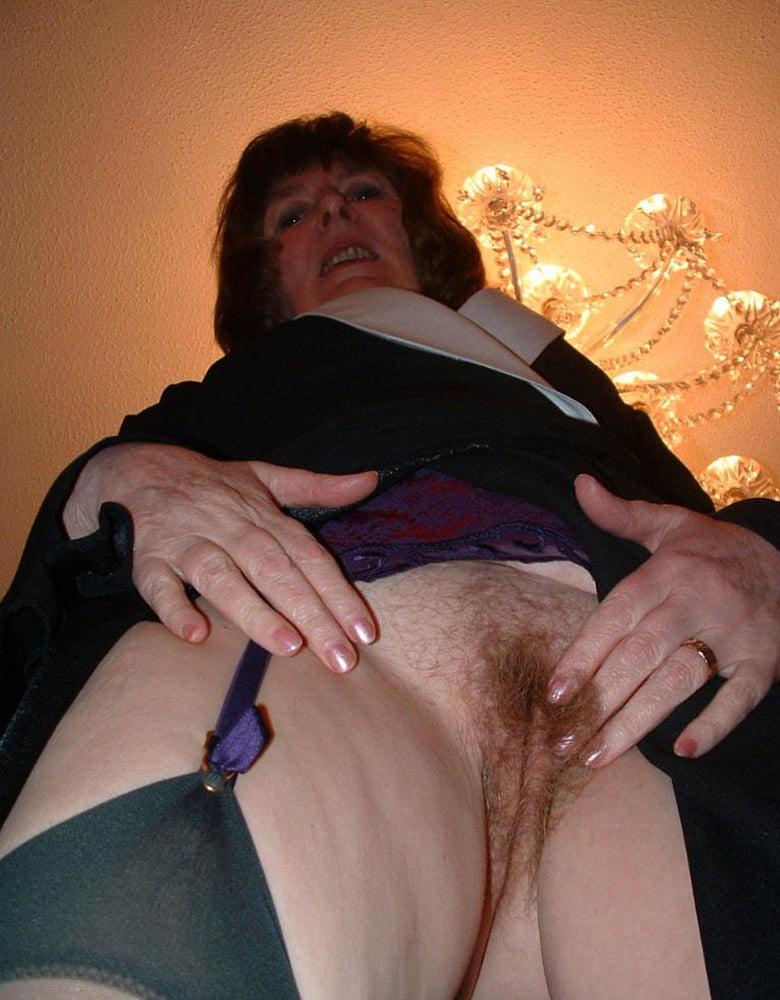 Порно без трусов пожилых — pic 4
