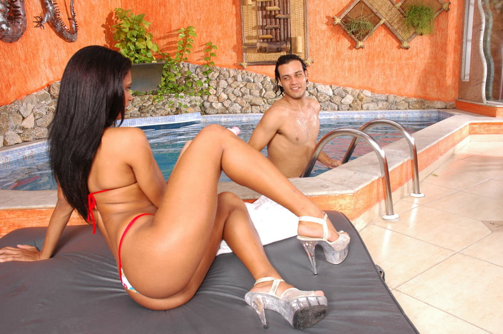 Brazilian girl gets fucked by the pool - 9 Pics