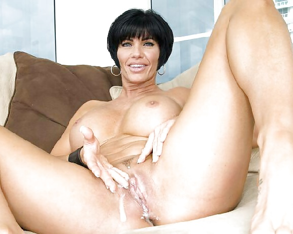 Порно с кончающими мамочками #12