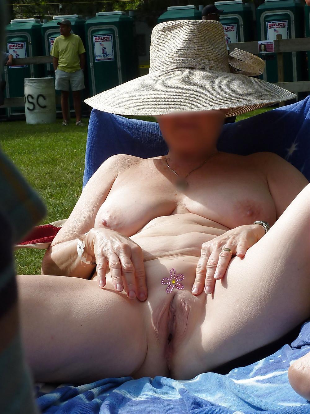 Nudistswinger