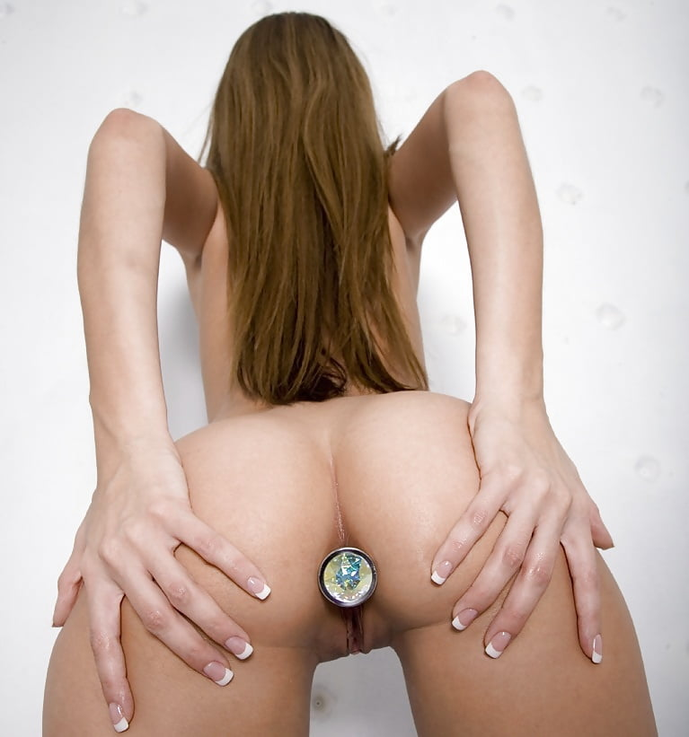 sex-pics-butt-plug-girl