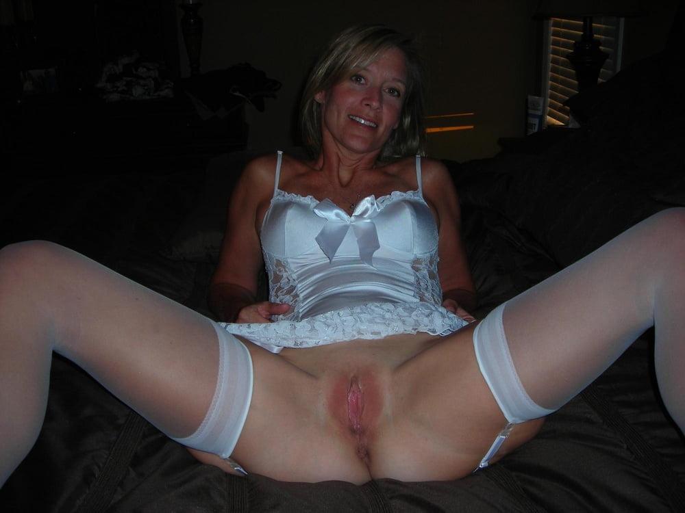 hot-older-girlfriend-nude
