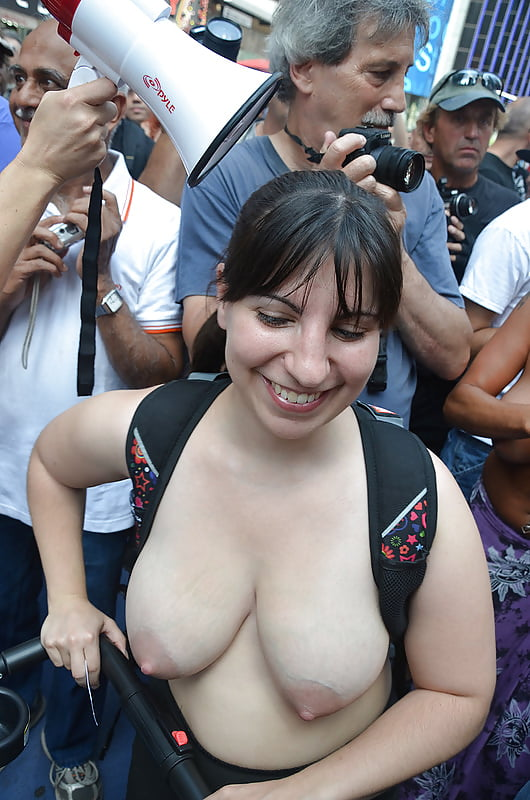 wank-boob-flasher-info-remember-leaned-over-she