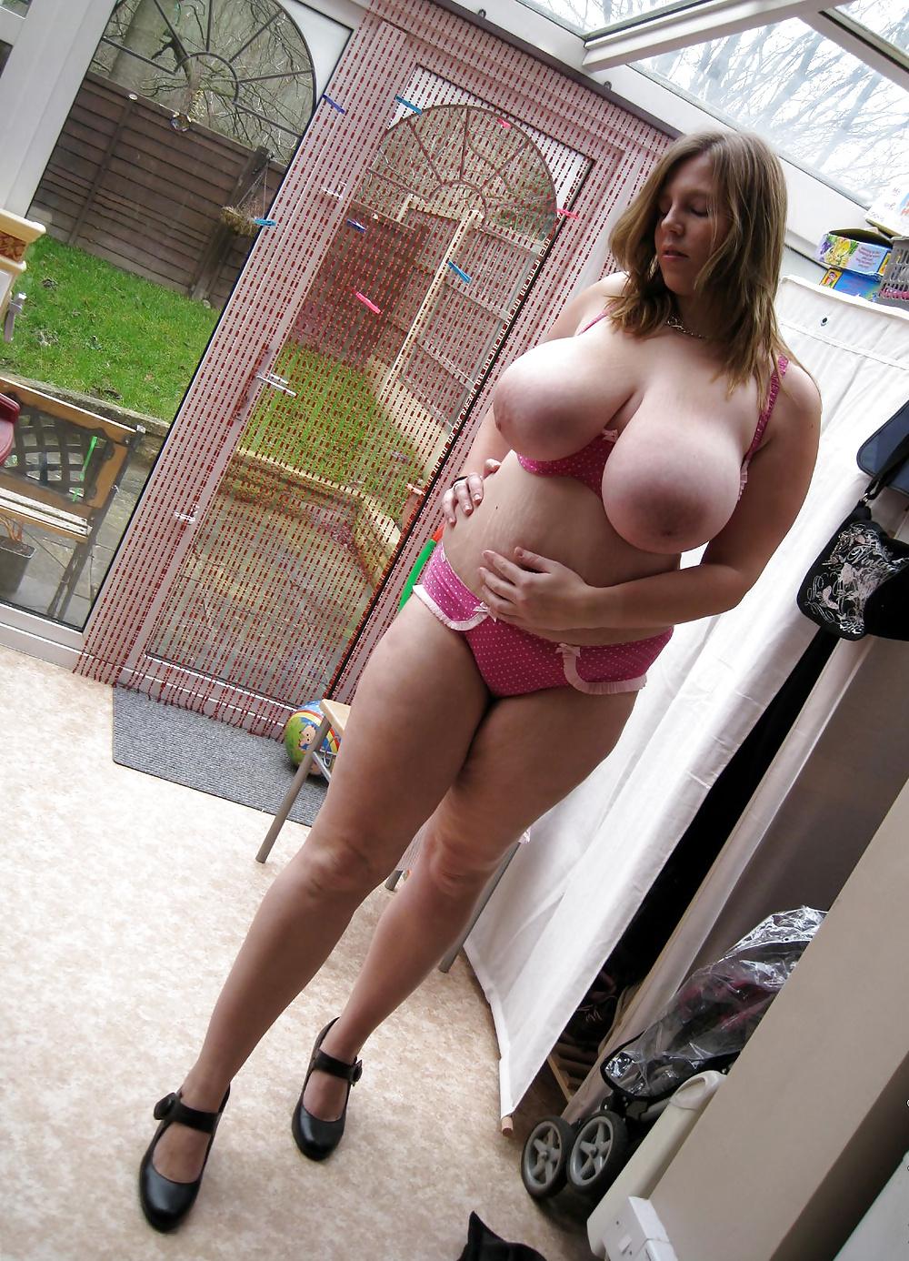 женские пышные формы на фото голышом