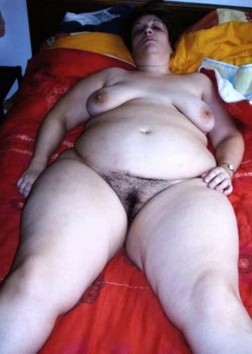 Fat hairy pregnant pussy
