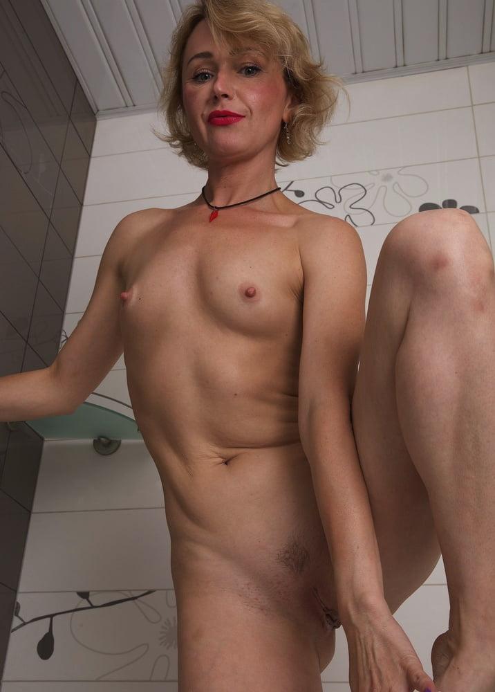 42yo Russian lustful mommy Aleksa 10.19.2020 - Shower Time - 196 Pics