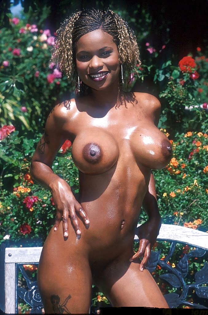 Caramel ebony slut