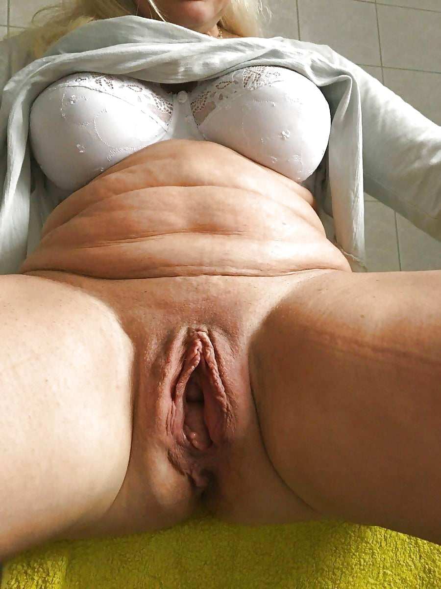 Mature meaty cunt
