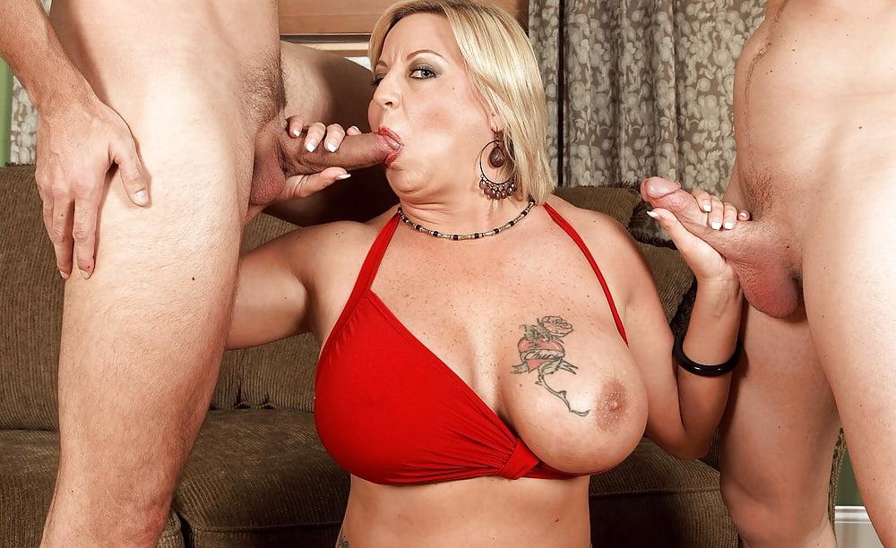 Порно мамочка с большими сиськами — pic 8