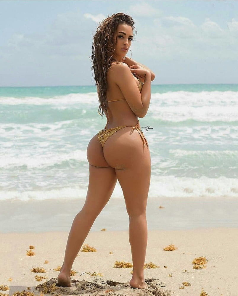 Hot naked latinas on the beach