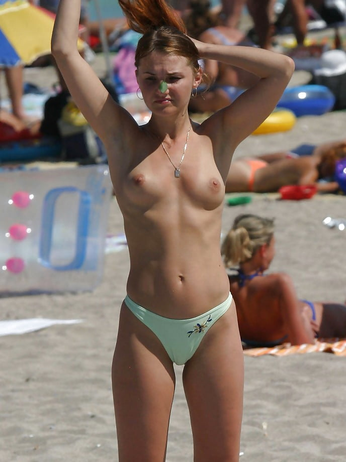 Young bikini voyeur pics — photo 13