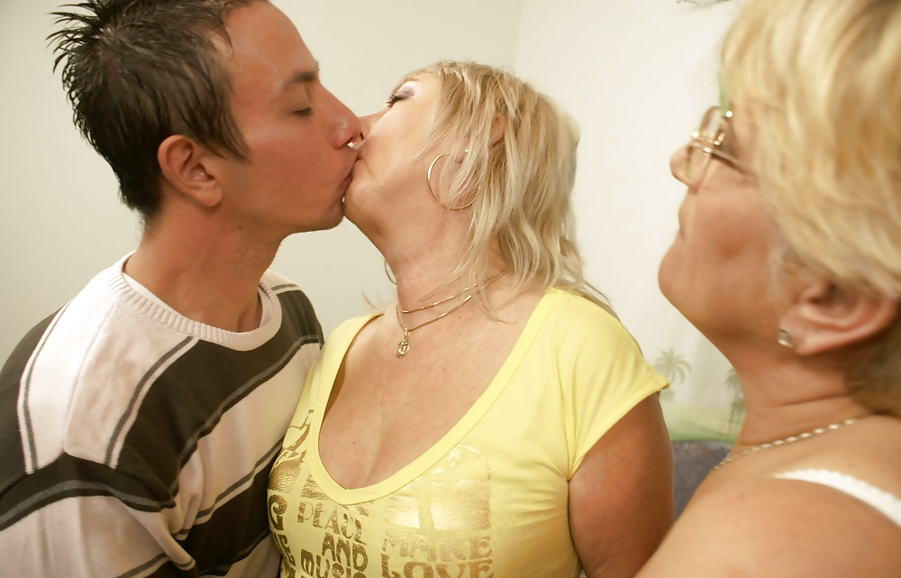 Mature women kissing younger men, armeenia women sex