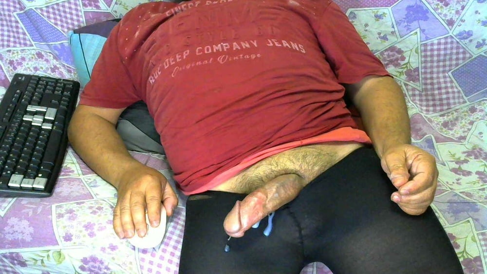 My active penis is hard - 8 Pics