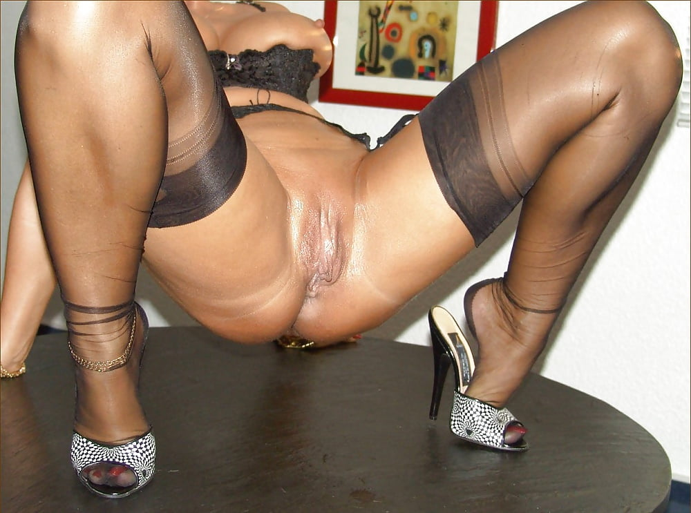 Pantyhoseimages Juicy Pussy In Seanless Pantyhose