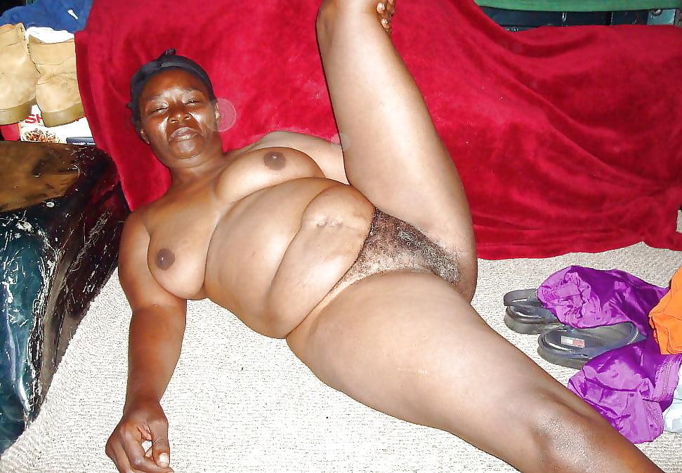Chubby ebony granny