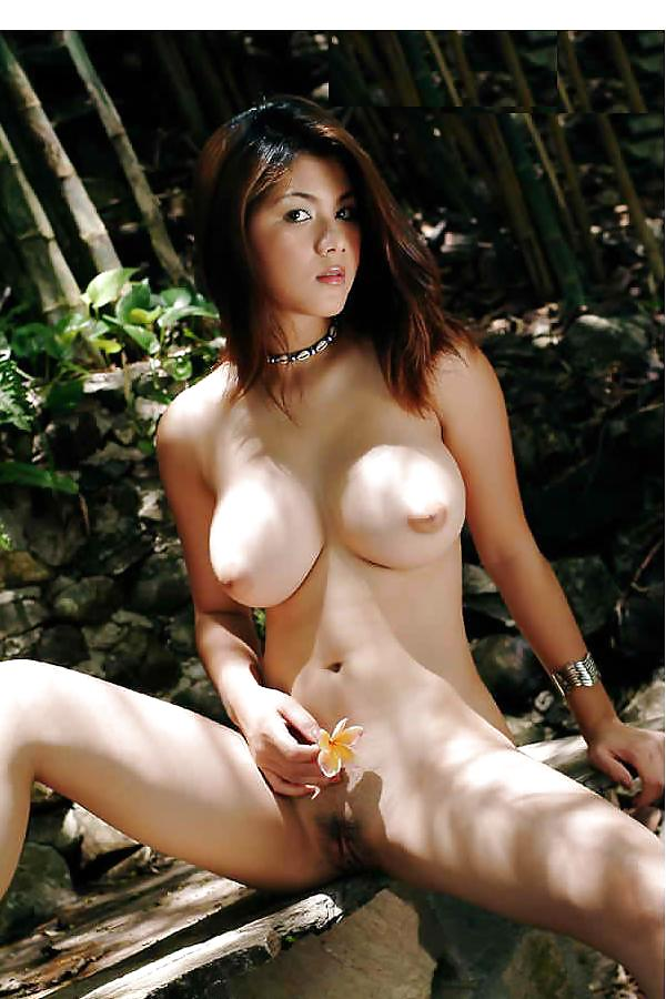 natt-chanapa-naked-nsarah-young-por