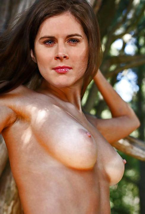 Erin Cummins Nude